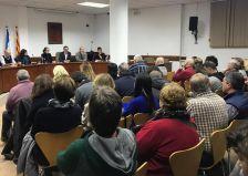 Més d'una setantena de persones participen de la xerrada informativa sobre l'acollida al municipi de joves migrants sense referents familiars