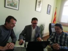 Signatura del contracte públic d'obres per l'execució del projecte d'arranjament de carrers de Can Massuet del Far